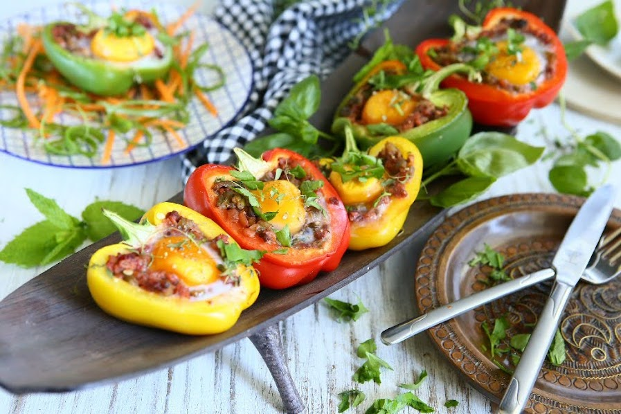Stuffed Sweet Peppers with Chicken, Einkorn and Egg