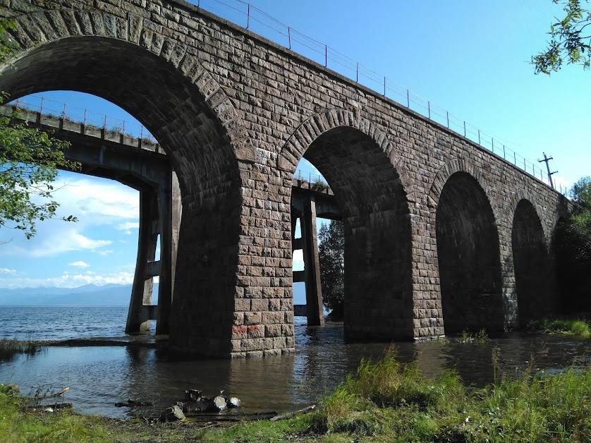 23. Иркутская область. 19 августа. Кругобайкальская железная дорога. Мосты у устья реки Ангасолка.
