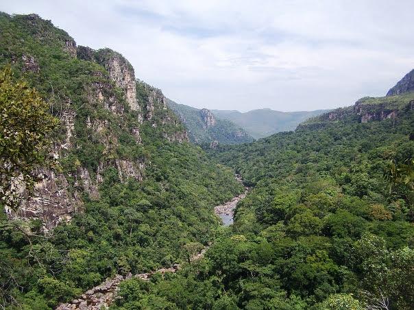 Parques nacionais de Chapada dos Veadeiros e das Emas