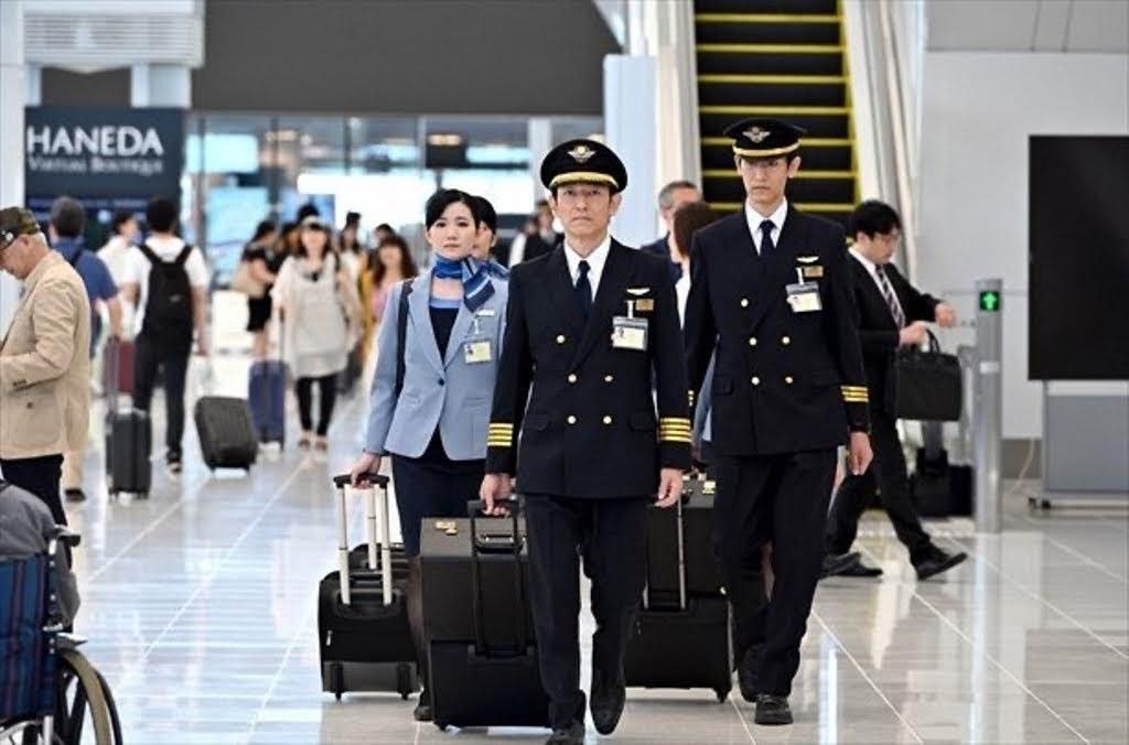 《 半澤直樹2 》 帝國航空 制服到底是哪家航空公司?