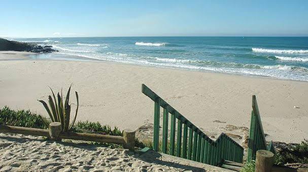 Praia de Vale Figueiros
