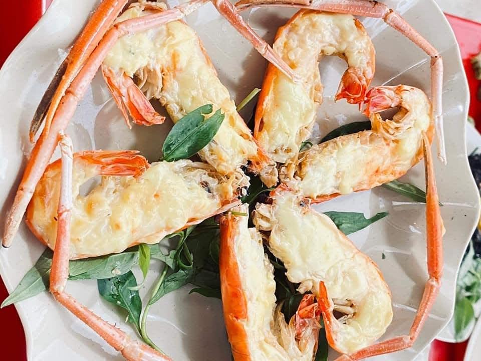 Tôm càng xanh nướng phô mai quán Sài Gòn ốc, nhum ở Dương Quảng Hàm, Gò Vấp