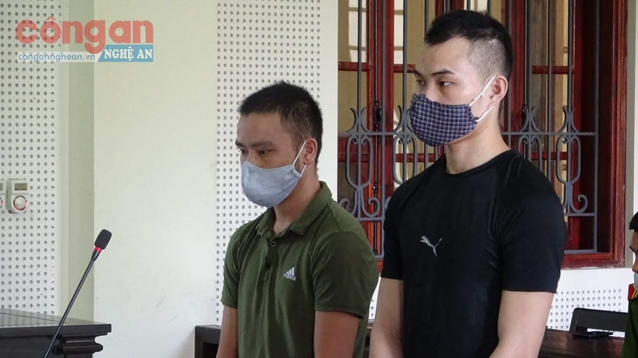 2 bị cáo tại phiên tòa
