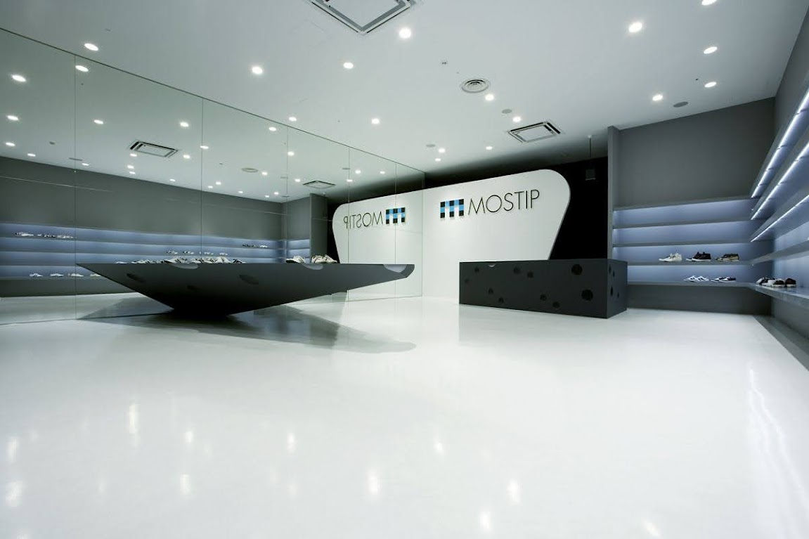 thiết kế shop giày thể thao