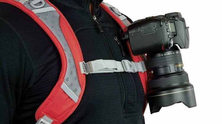 登山で一眼レフを簡単に持ち運べる神アイテム:Peak Designのカメラクリップ