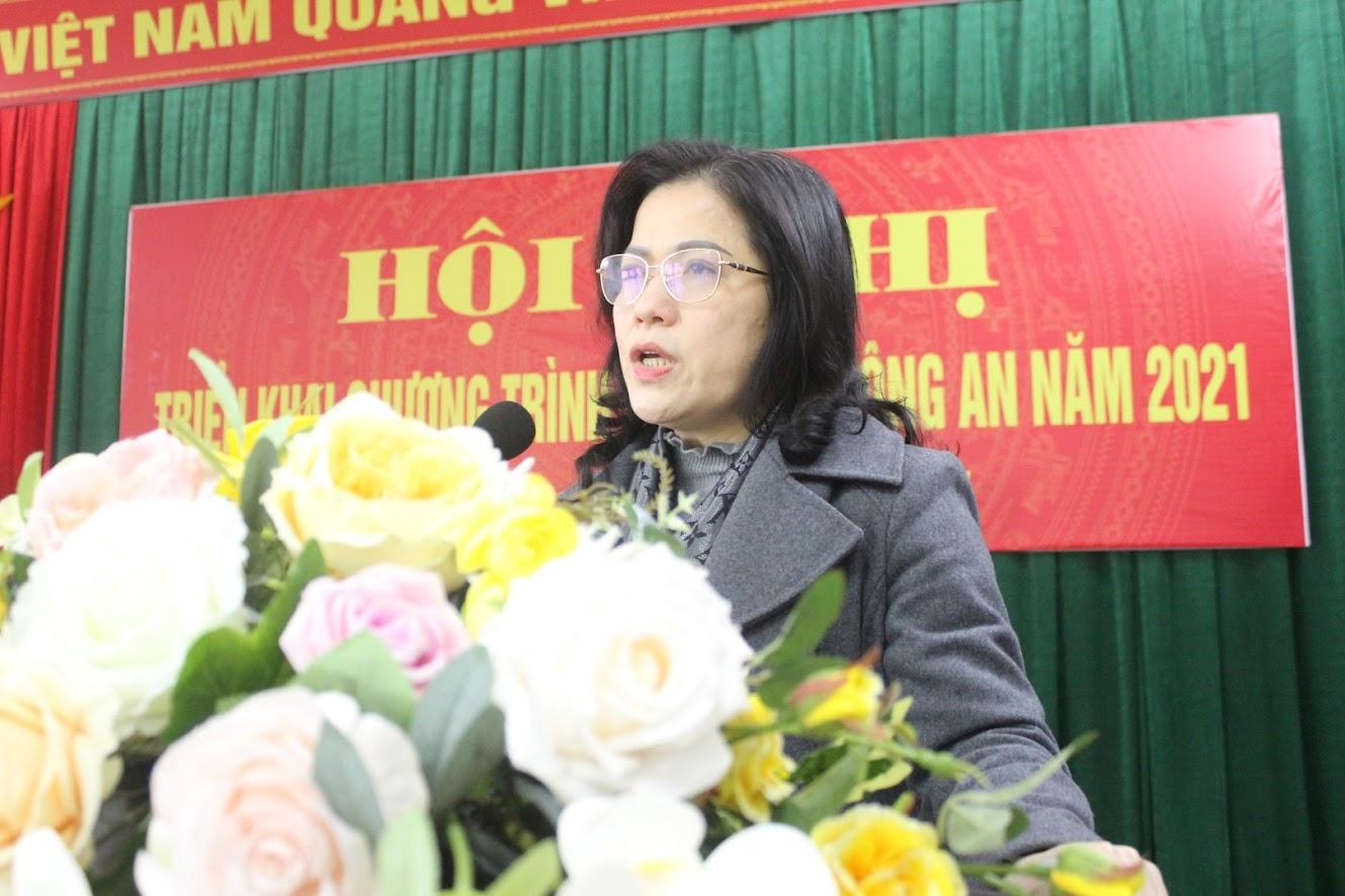 Đồng chí Nguyễn Thị Kim Chi - Bí thư Thị ủy đánh giá cao những kết quả Công an thị xã đạt được trong năm 2020