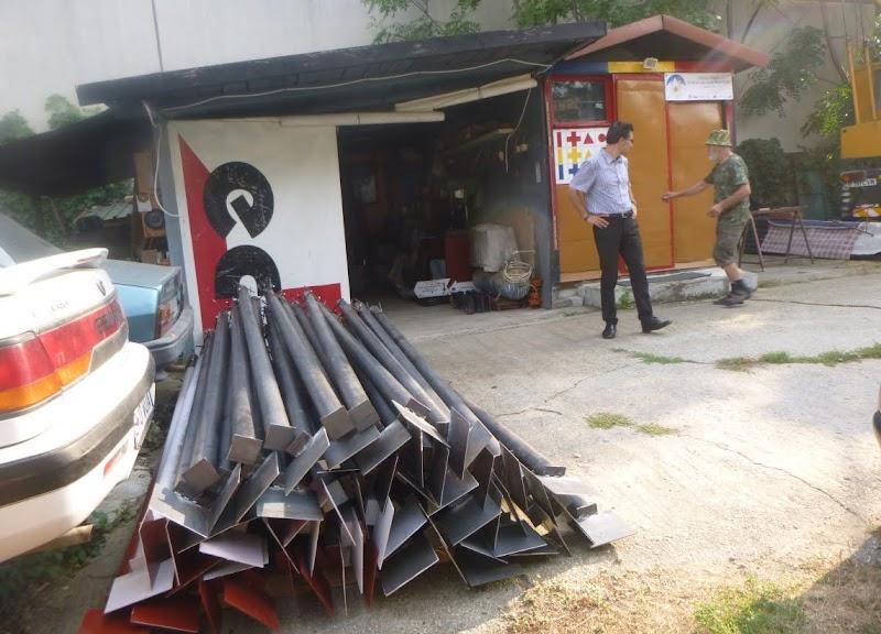 Fig. 6 Stâlpi de marcaj în proces de fabricare la atelierul din București