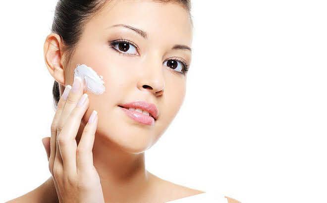 dưỡng ẩm cho da sau khi tẩy da chết