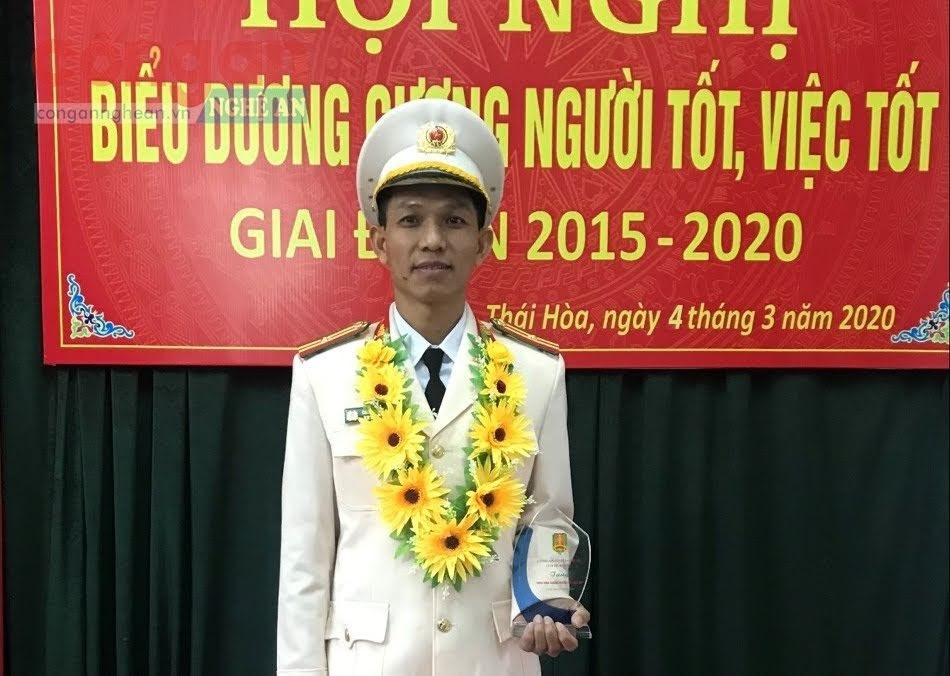 Thiếu tá Cao Thế Toàn tại Hội nghị biểu dương gương người tốt, việc tốt giai đoạn 2015 - 2020