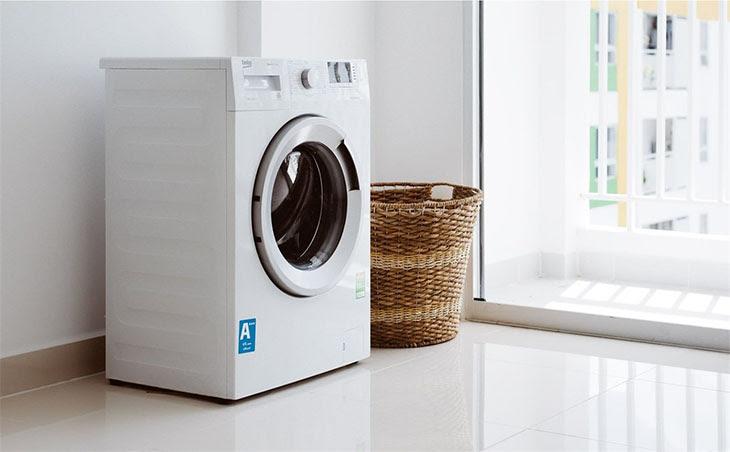 Máy giặt phải được lắp đặt ở các nơi bằng phẳng và ổn định
