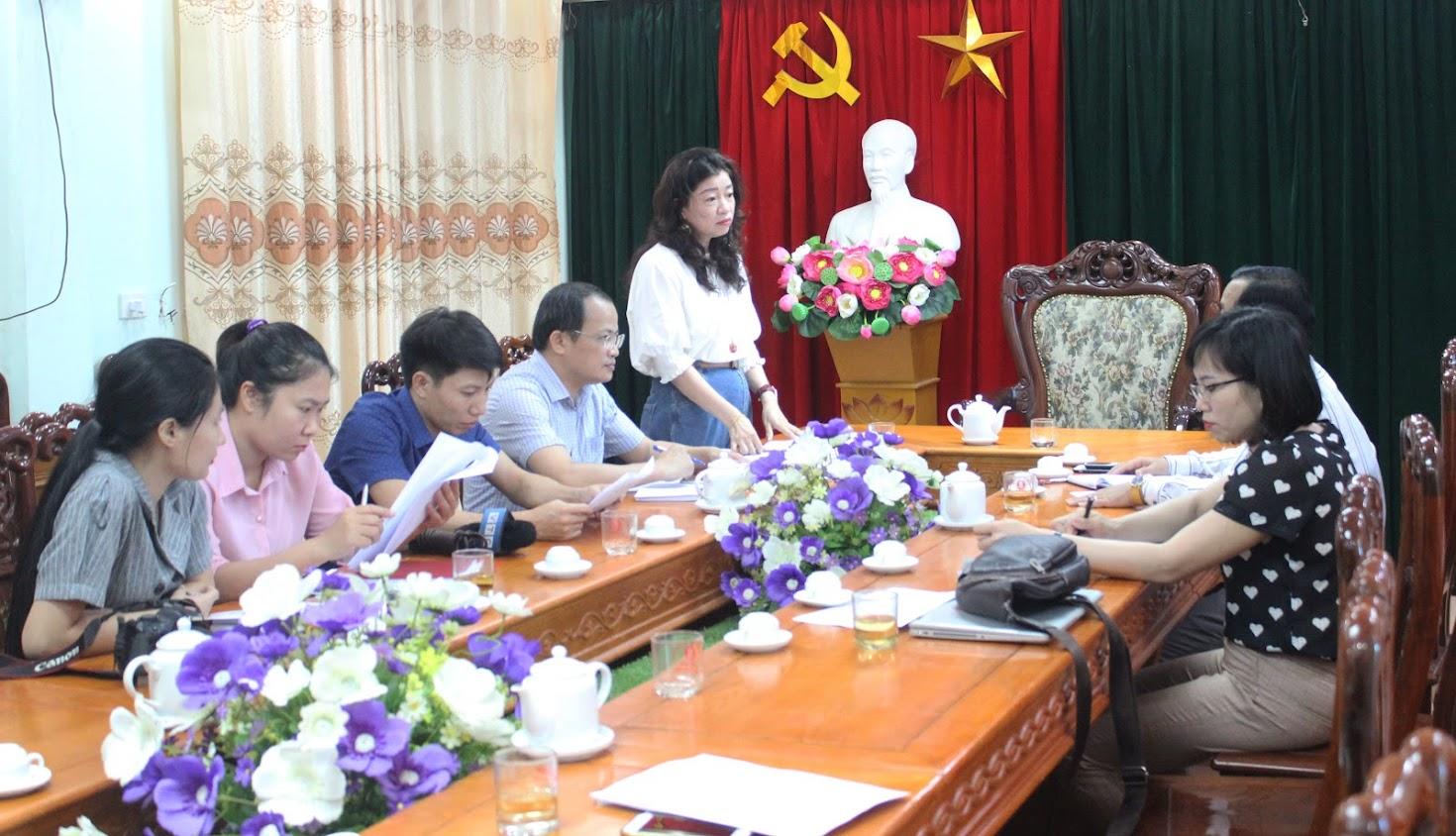 Đoàn công tác Ban Tuyên giáo Tỉnh ủy và phóng viên các cơ quan báo chí làm việc với Huyện ủy Quỳnh Lưu
