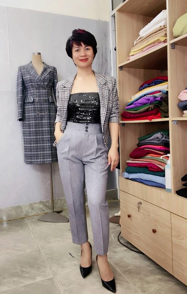 Áo vest nữ dáng ngắn ngang eo kẻ caro V746 thời trang thủy quảng ninh
