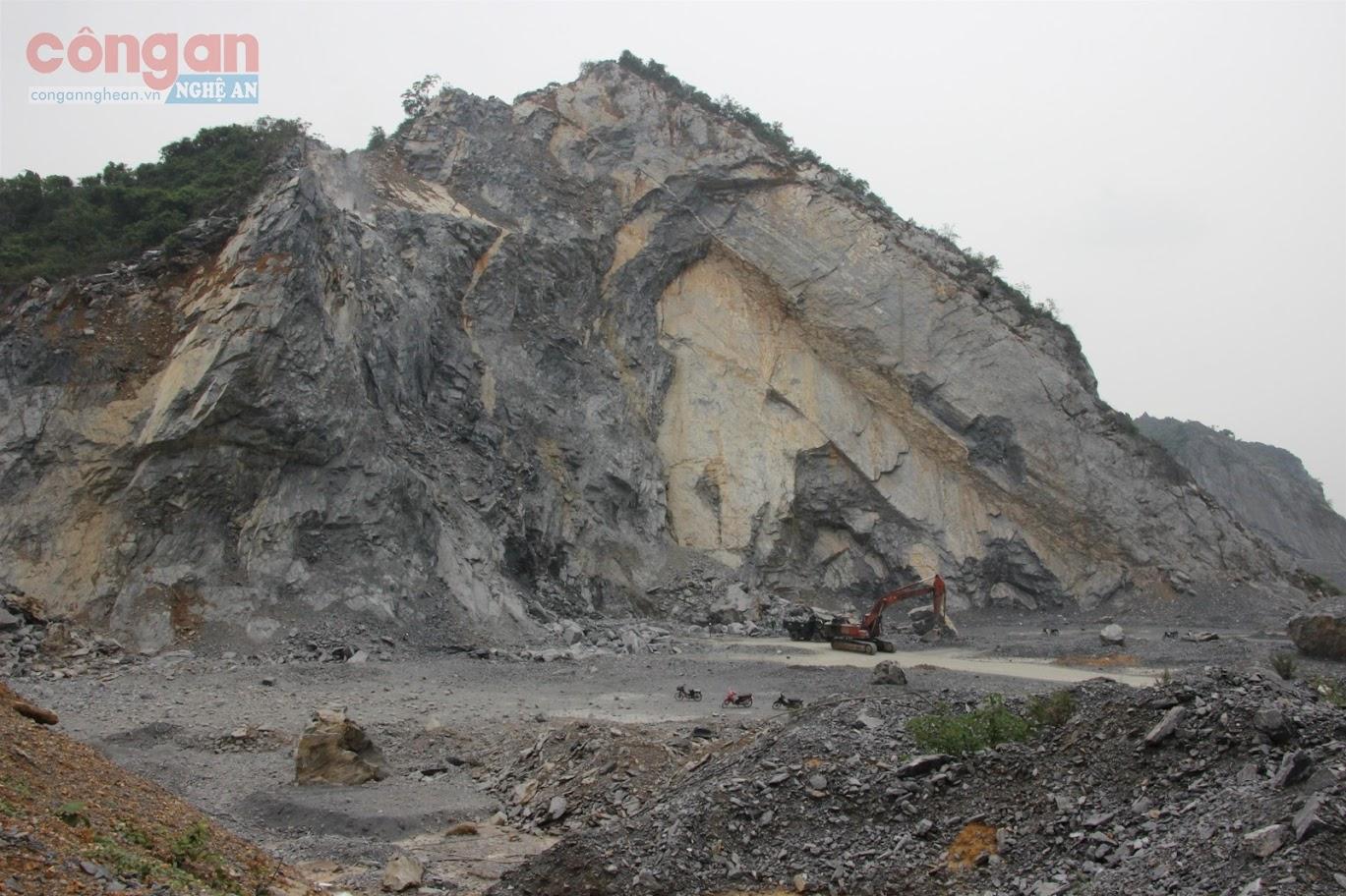 Mỏ khai thác đá của Công ty CP vật liệu 99 đã xảy ra nhiều vụ tai nạn lao động, làm nhiều người tử vong