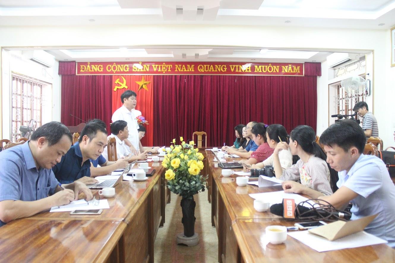 Đoàn công tác Ban Tuyên giáo Tỉnh ủy và phóng viên các cơ quan báo chí làm việc với Huyện ủy Thanh Chương