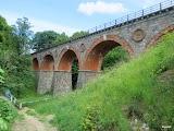 wiadukt kolejowy beztorów