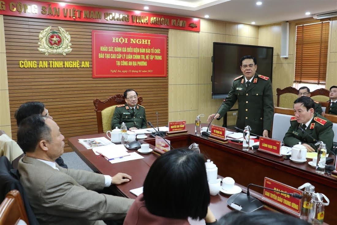 Thiếu tướng Võ Trọng Hải, Giám đốc Công an tỉnh phát biểu tại buổi làm việc