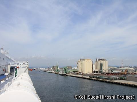 太平洋フェリー「きそ」 仙台港入港_03