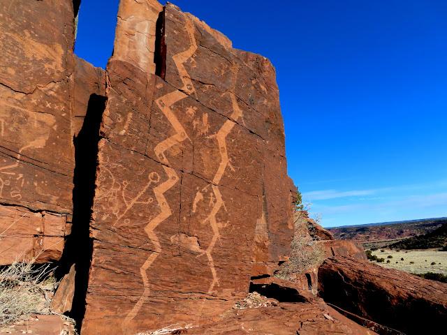 Long, snake-like petroglyphs