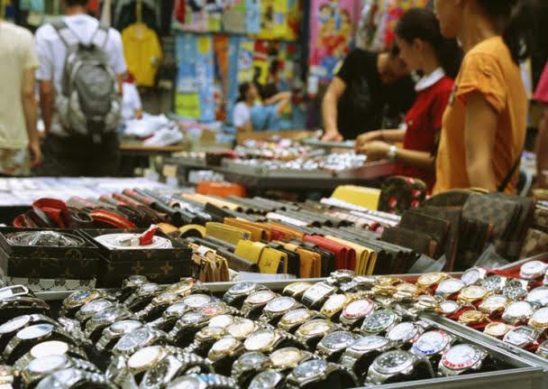 Temple Street Night Market (Men's St.)