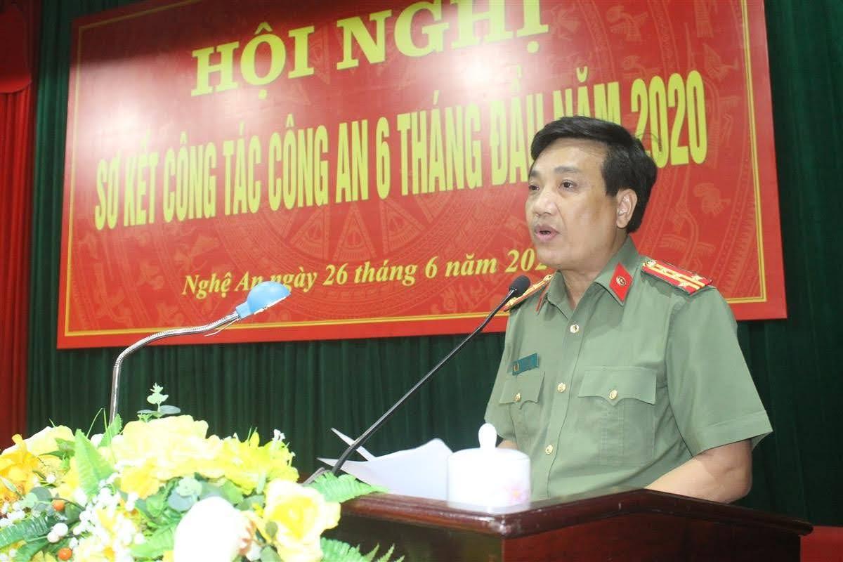 Thay mặt Đảng ủy, lãnh đạo Công an tỉnh, Đại tá Hồ Văn Tứ, Phó Giám đốc Công an tỉnh dành sự tri ân sâu sắc đối với Thiếu tướng Nguyễn Hữu Cầu