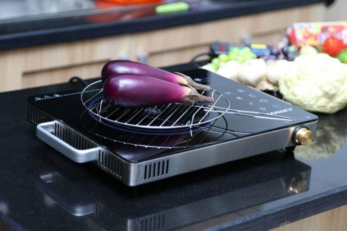 Sanaky AT - 2524HGN có nhiều chức năng nấu