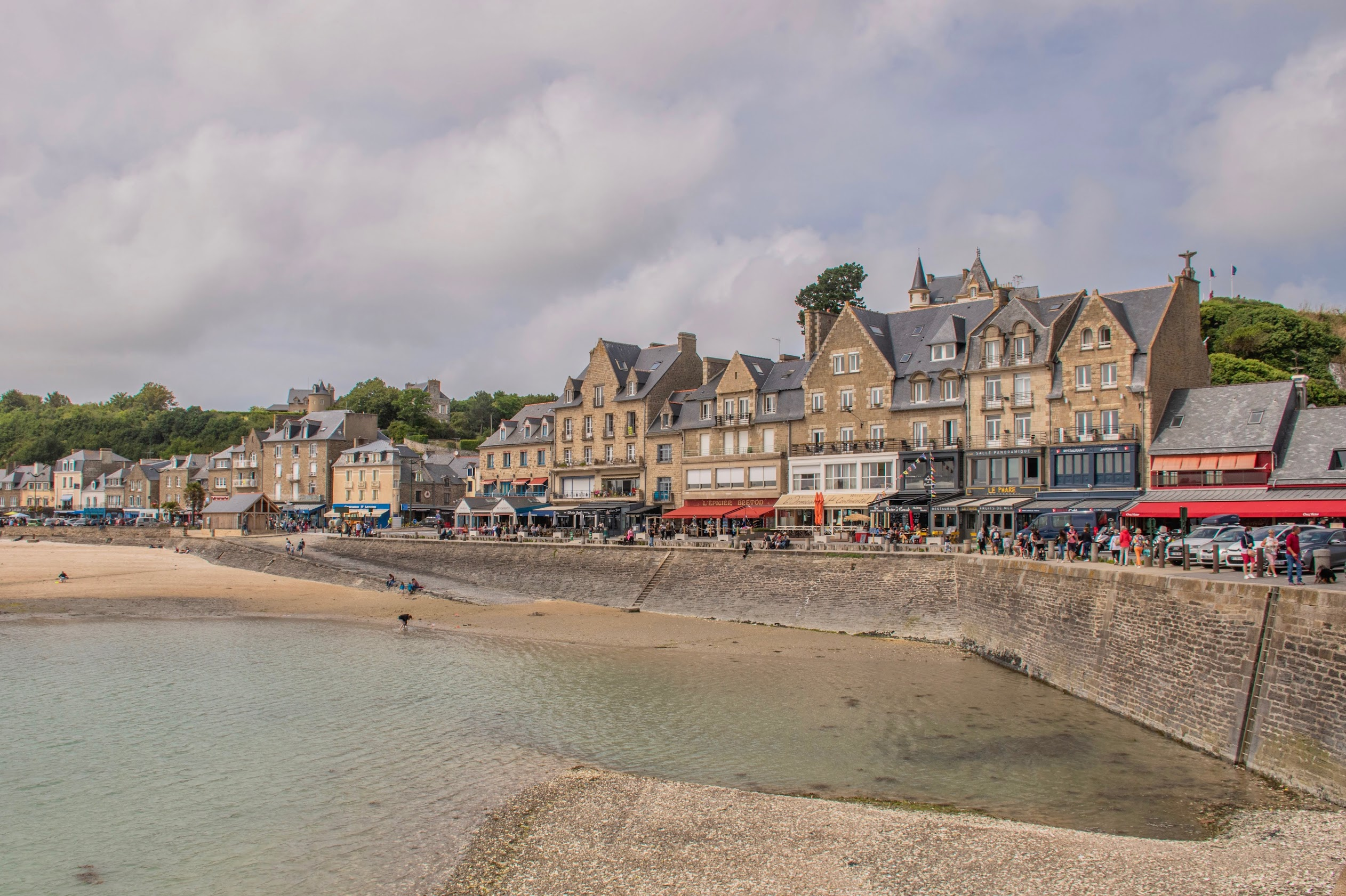 cancale-oesters