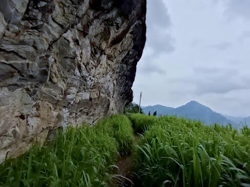 Meeyan Ella Waterfall - Ihala kotte