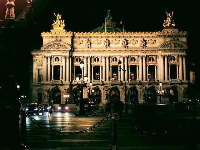 エミリー、パリへ行く オペラガルニエ