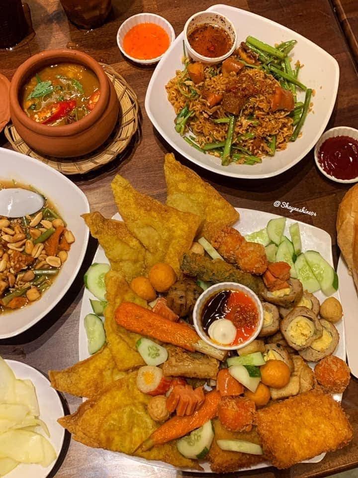 Ăn vặt Sơn Ca - 493 Trường Chinh, Tân Bình