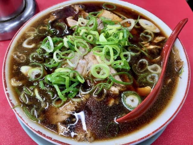 黒いスープの新福菜館の中華そば