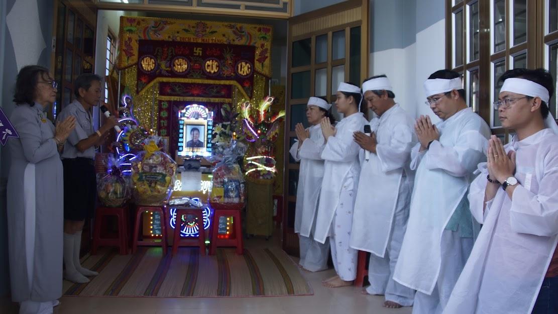 Viếng tang thân mẫu của HTr Huệ Yến – Lê Thị Vân
