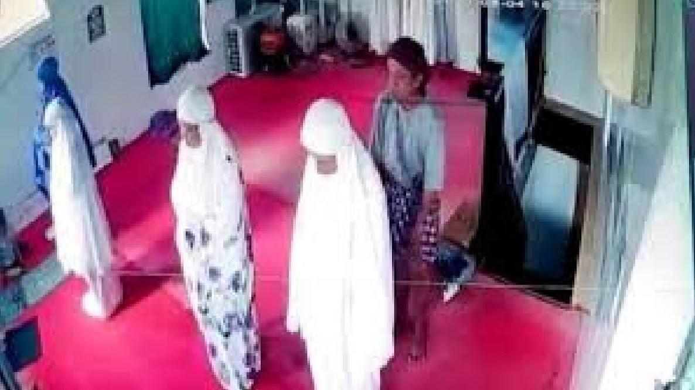 Pelecehan Wanita Saat Salat di Musala