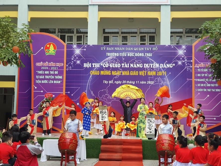 Cô giáo Lê Thanh Hoa với tiết mục mashup Thư pháp – Nghĩa sư đồ