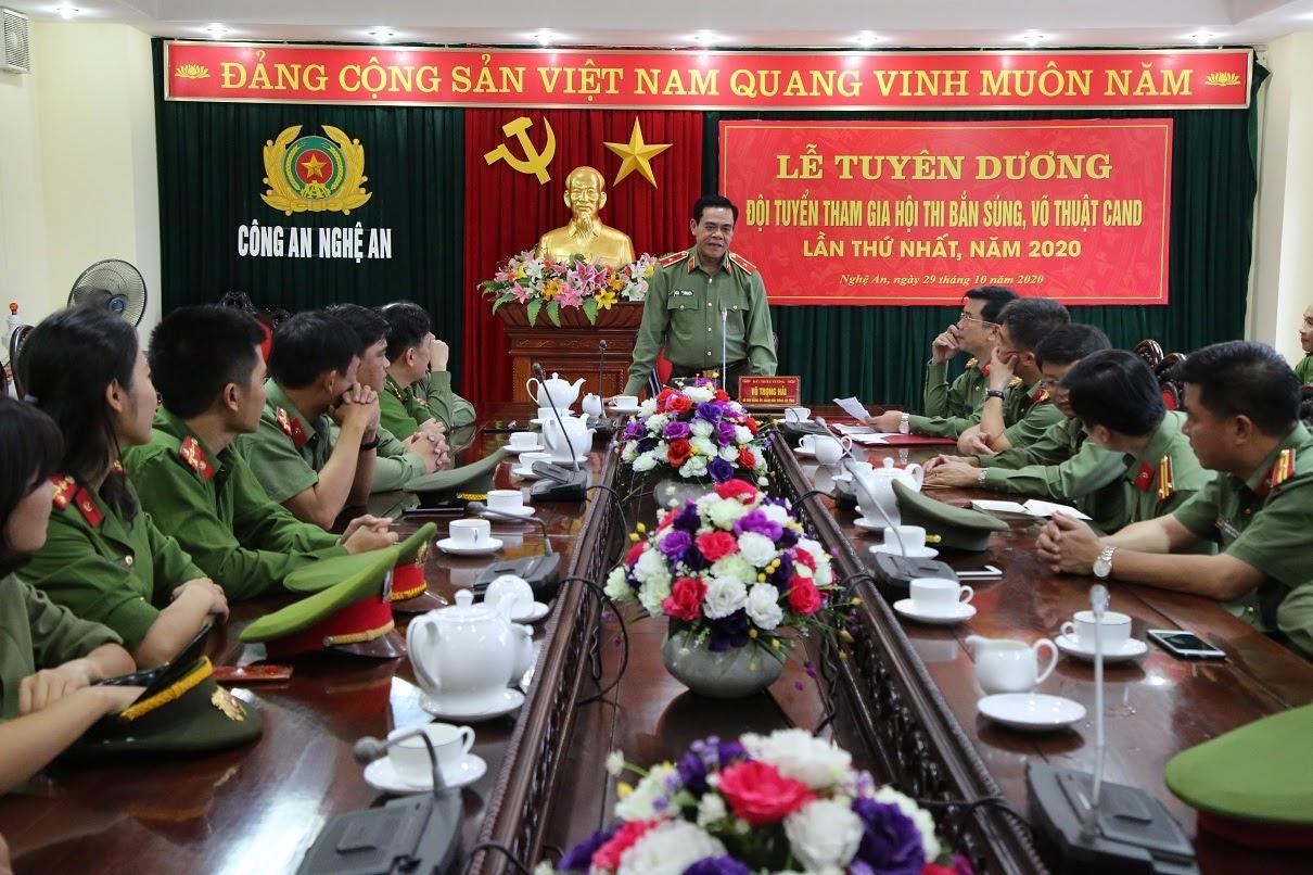 Thiếu tướng Võ Trọng Hải, Giám đốc Công an tỉnh biểu dương đội tuyển Công an tỉnh đạt giải cao tại Hội thi