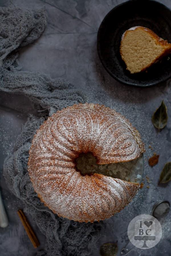 Bundt Cake de leche caliente con canela