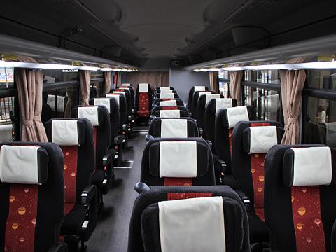 高松エクスプレス「フットバス」神戸線 ・658 車内