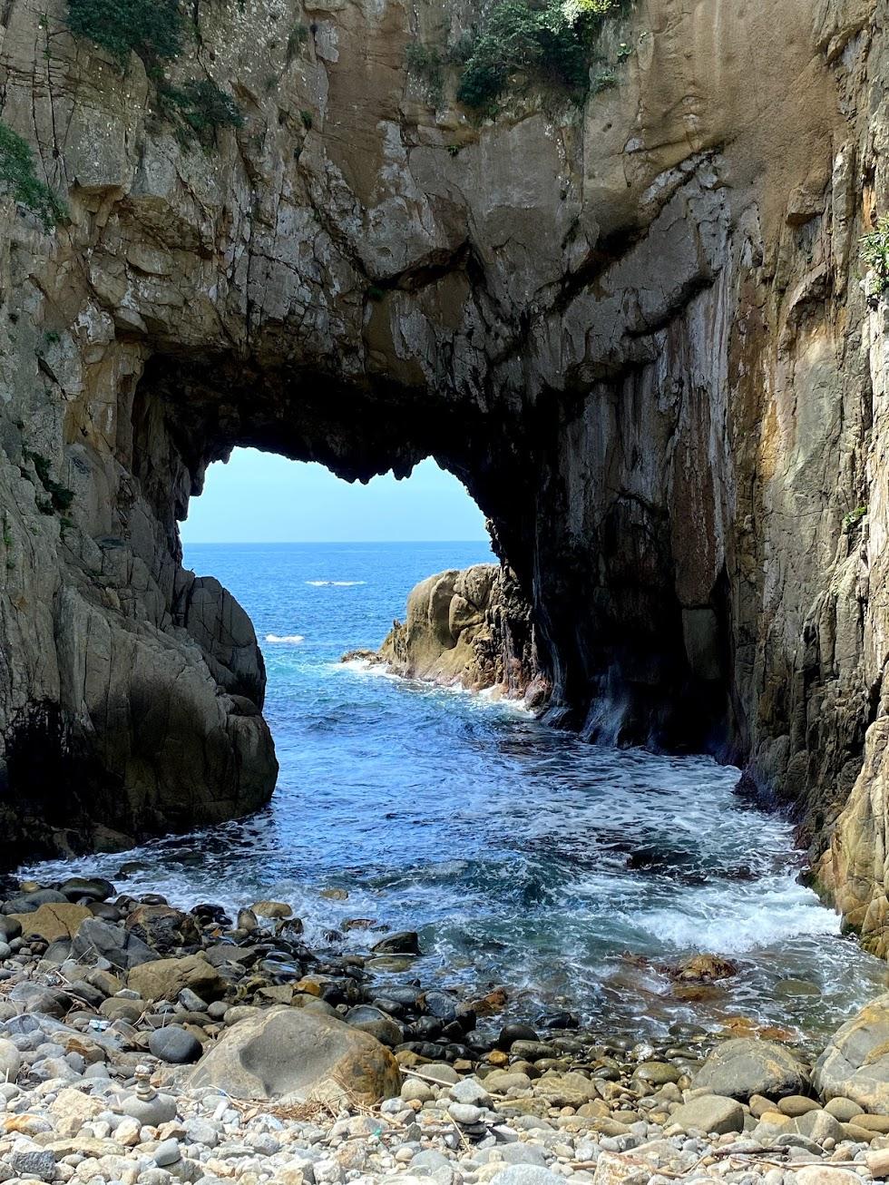 ハート型の白山洞門