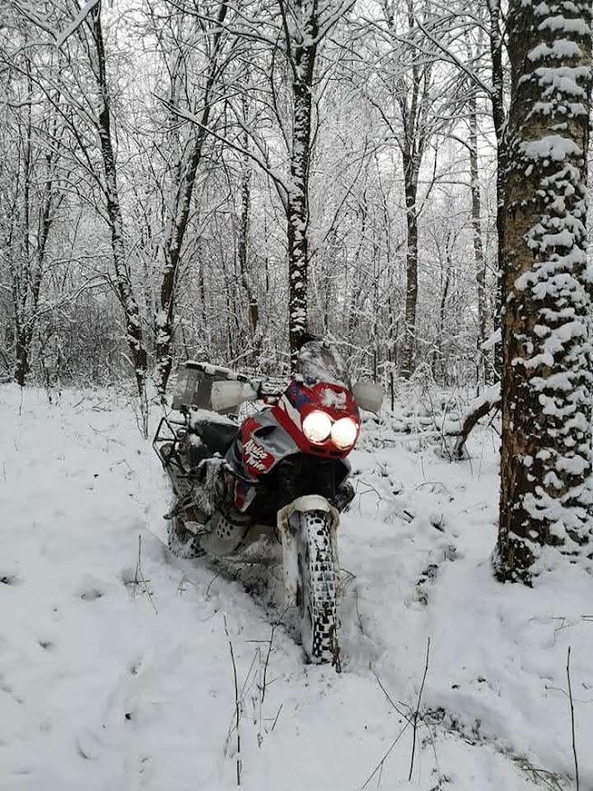 Зимние тренировки на Africa Twin.