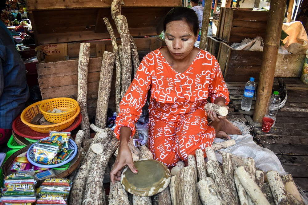 lady with thanaka in dala yangon.jpg