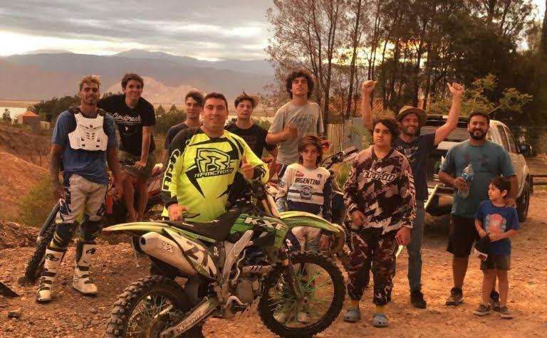 """""""Wey"""" con su Escuelita de Motocross."""