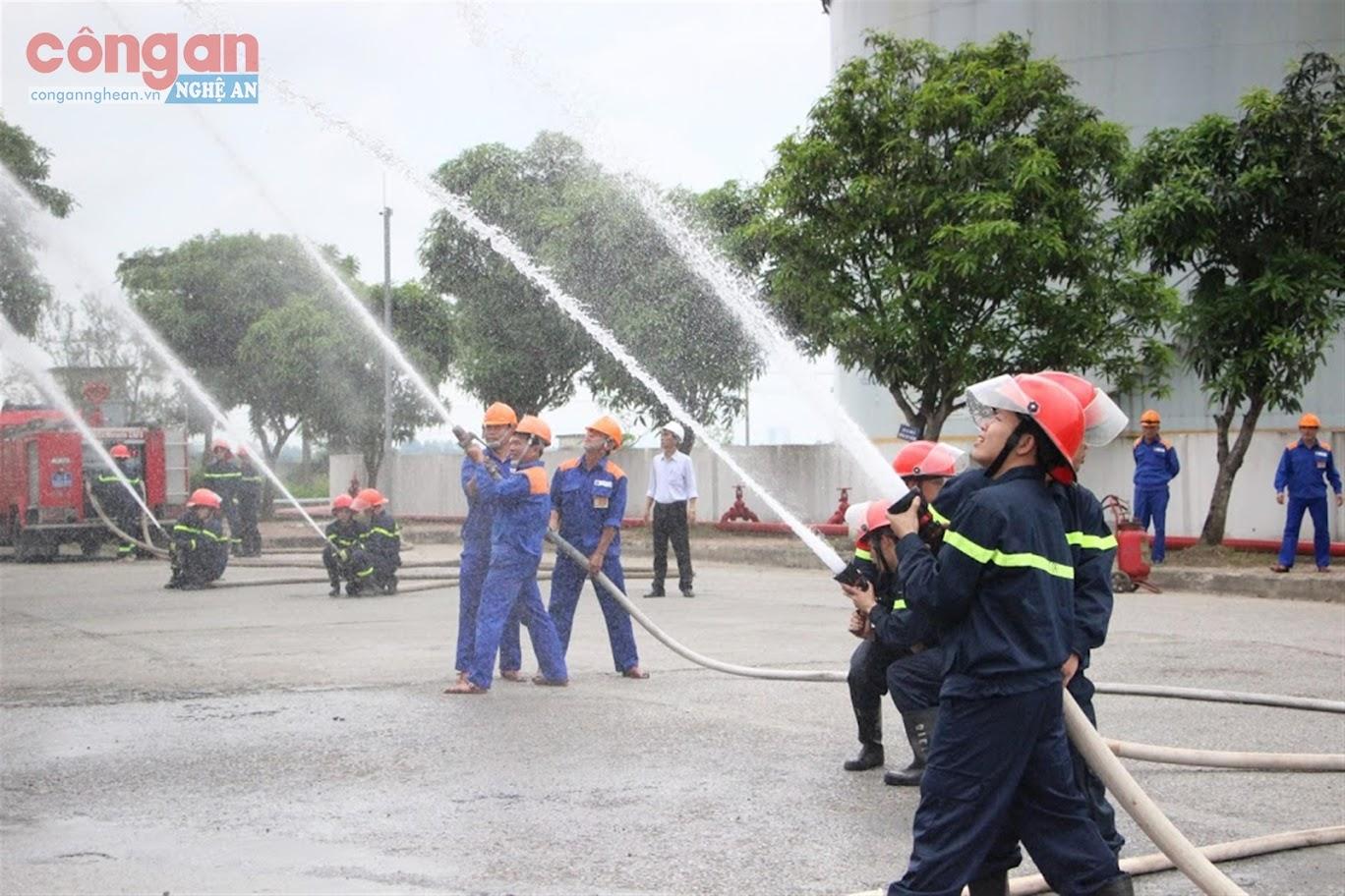 Diễn tập công tác PCCC tại các cơ sở luôn được lực lượng Cảnh sát PCCC&CNCH  chú trọng thực hiện trong thời gian qua