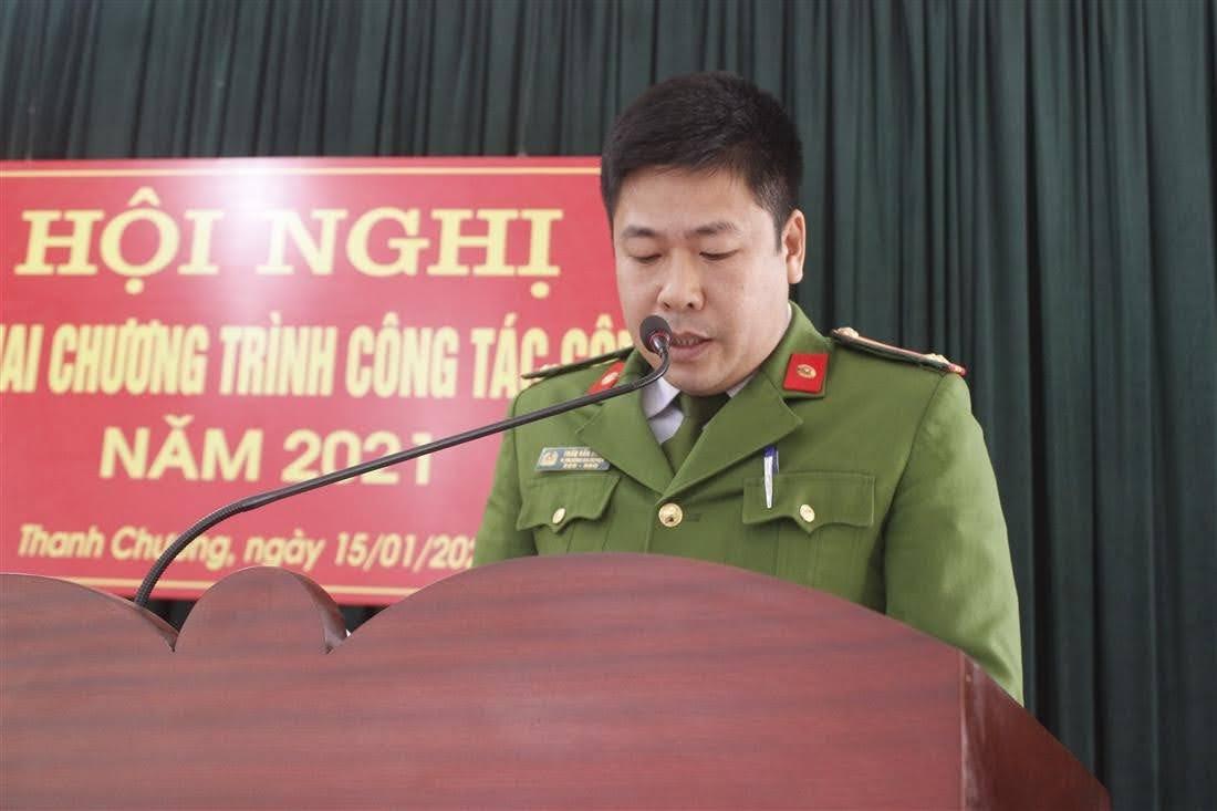 Trung tá Trần Văn Hùng, Phó Trưởng Công an huyện phát động phong trào Vì An ninh Tổ quốc năm 2021