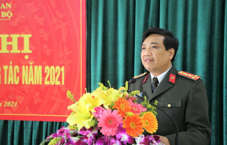 2.Đồng chí Đại tá Hồ Văn Tứ, Phó Bí thư Đảng uỷ, Phó Giám đốc Công an tỉnh phát biểu chỉ đạo