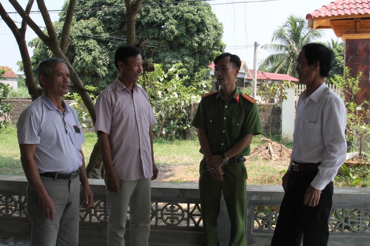 Công an TX Thái Hòa phối hợp với các tổ chức, đoàn thể tăng cường công tác tuyên truyền nhằm nâng cao ý thức của người dân trong việc tố giác tội phạm tại địa bàn có cơ sở lưu trú đóng chân