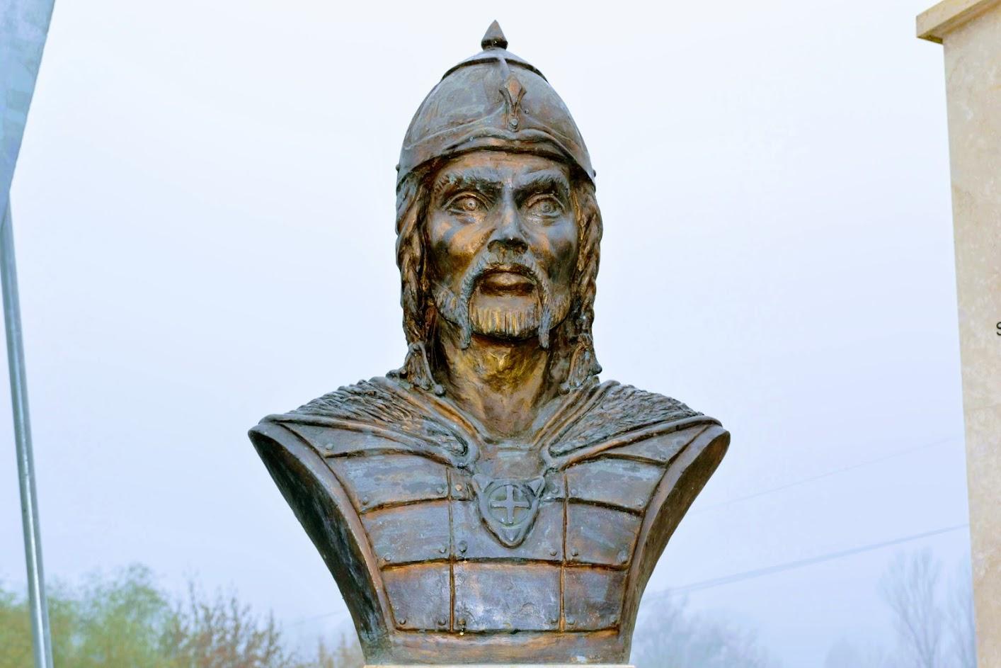 Attila-szobor és emlékhely, Dunakeszi
