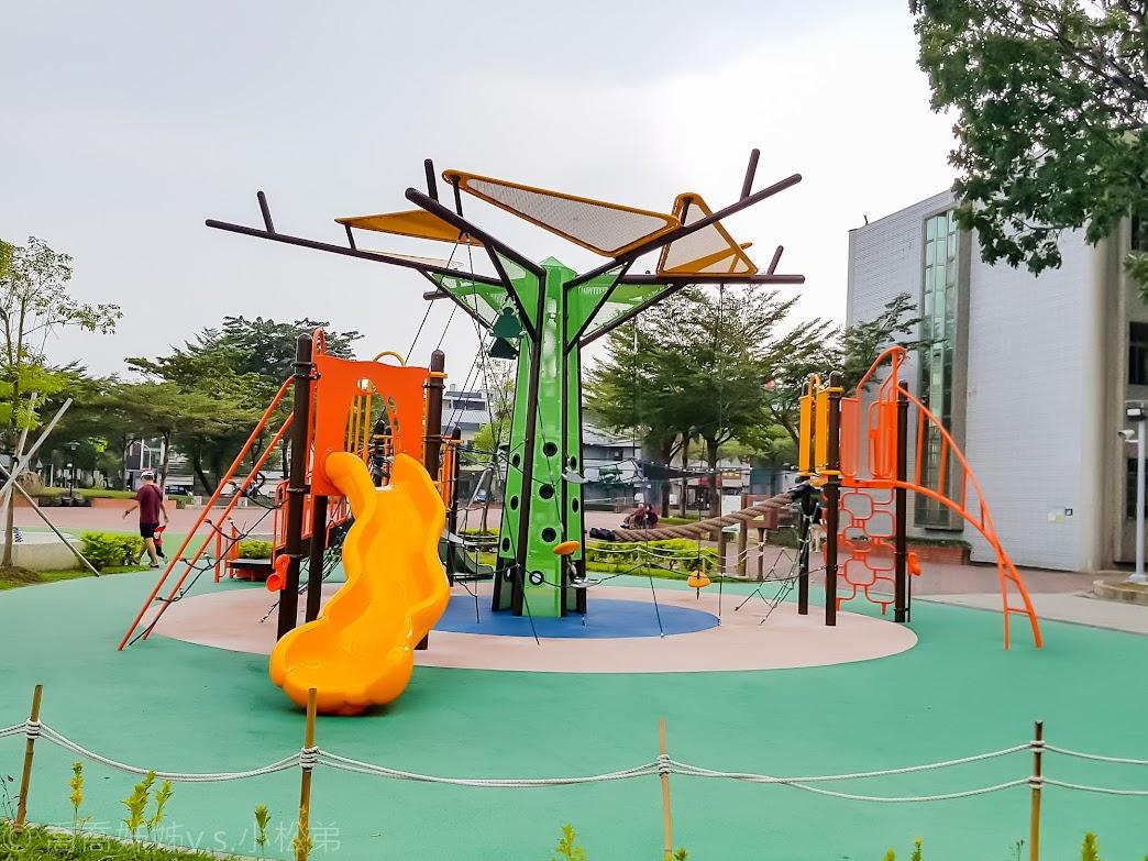 屏東和平公園共融遊戲場
