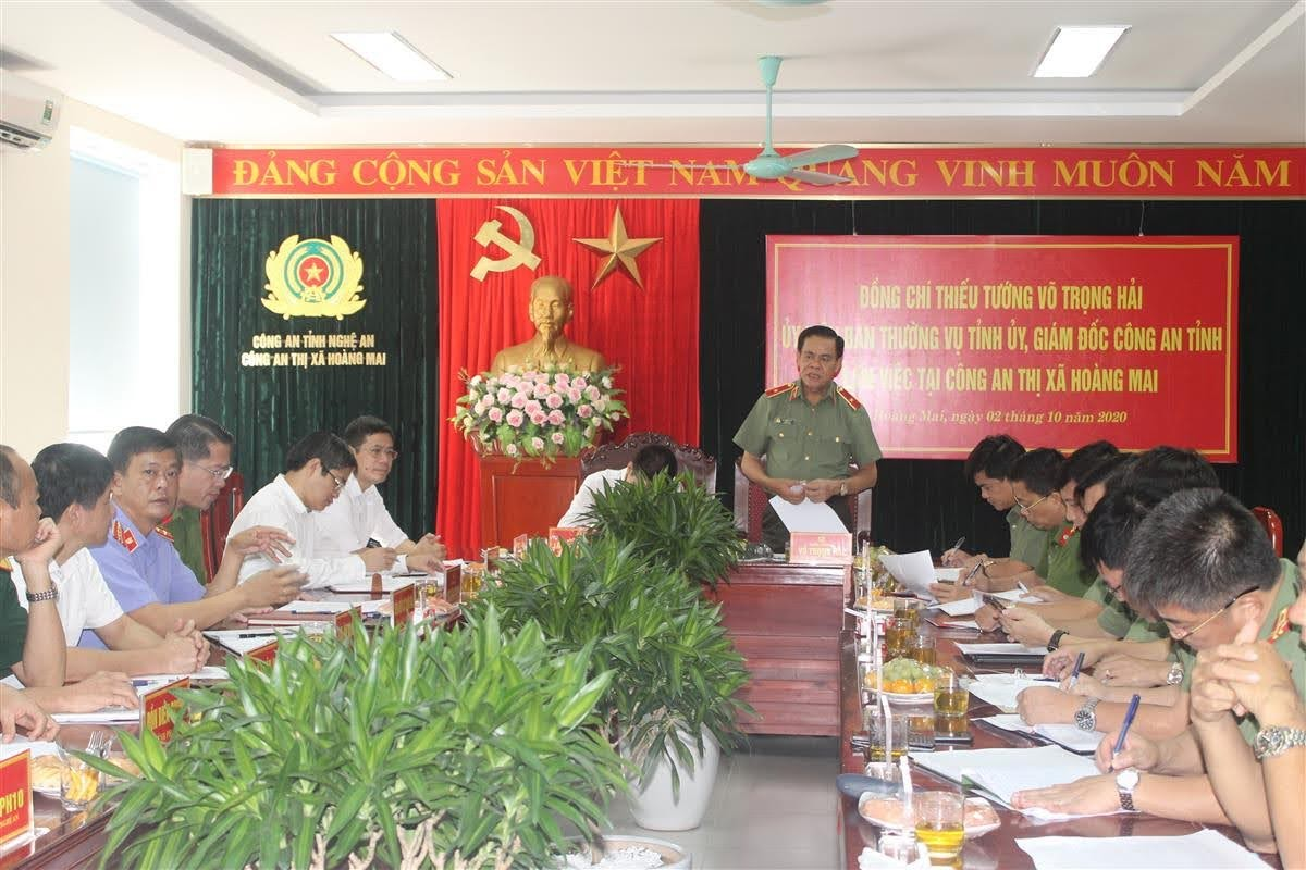 Thiếu tướng Võ Trọng Hải, Ủy viên BTV Tỉnh ủy, Giám đốc Công an tỉnh chủ trì buổi làm việc