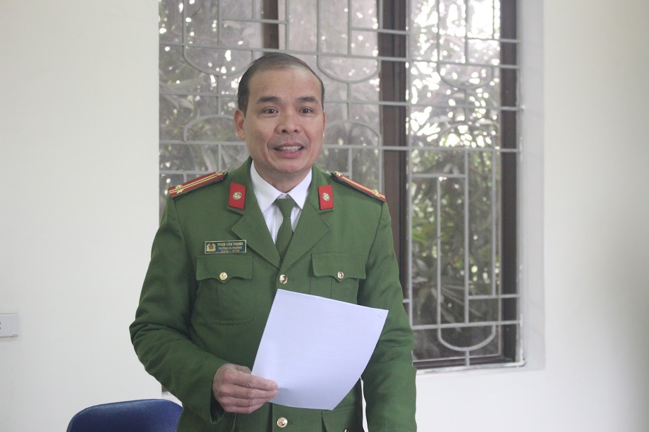 Trung tá Phan Văn Thanh, Trưởng Công an phường Cửa Nam phát biểu khai mạc hội nghị
