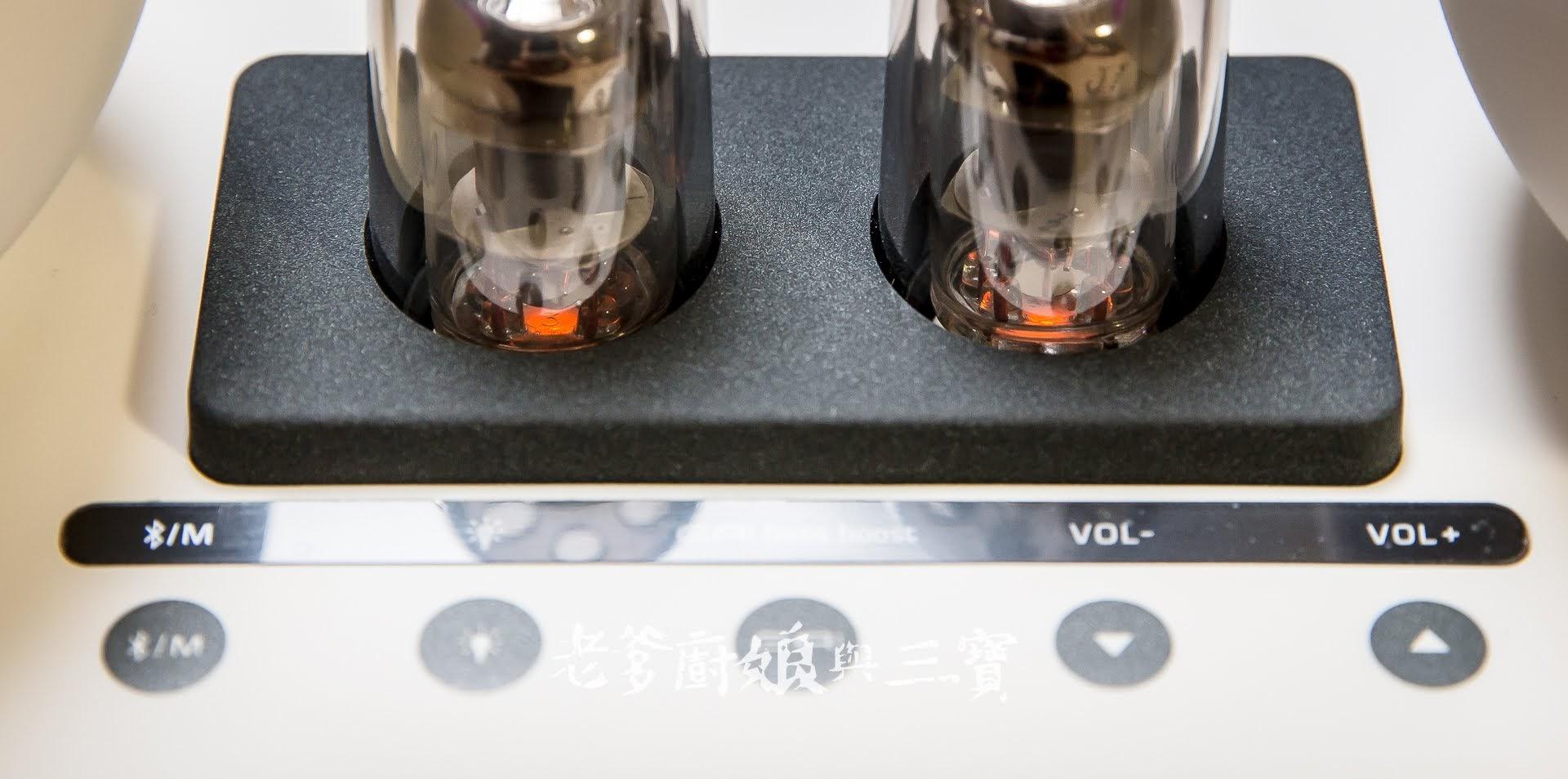來自過去記憶中的感動品牌,小小機身卻能有全音域喇叭與真空管環繞音效音樂享受的HI-FI音質藍芽音響...SANSUI山水 360°全音域真空管藍芽音響SS-36