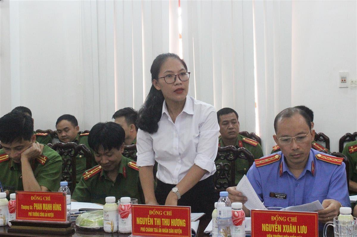 Đại diện Lãnh đạo các đơn vị chức năng huyện Nghĩa Đàn phát biểu tại buổi làm việc